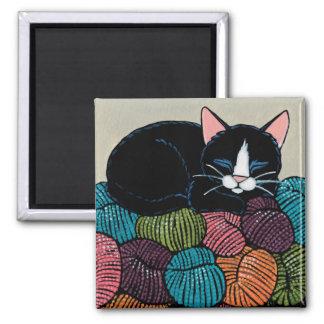 ヤーンのイラストレーションの山の睡眠猫 マグネット