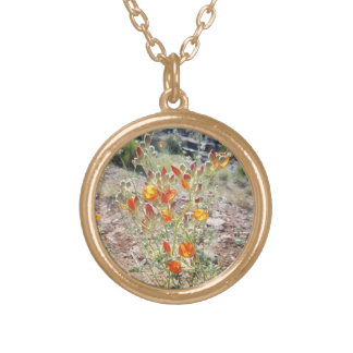 ユタの砂漠の野生の花のネックレス-シダのサバンナによる… ゴールドプレートネックレス