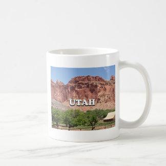 ユタ: Fruitaの国会議事堂礁の国立公園、米国 コーヒーマグカップ