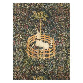 ユニコーンおよびゴシック様式ファンタジーの花の花のモチーフ テーブルクロス