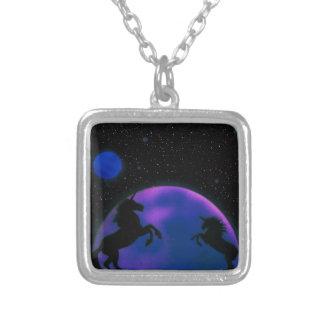 ユニコーンおよび惑星のネックレス シルバープレートネックレス