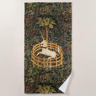 ユニコーンのゴシック様式ファンタジーの花、花のモチーフの緑 ビーチタオル
