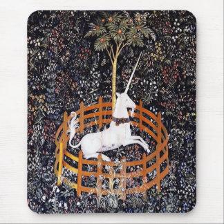ユニコーンのタペストリーのマウスパッド マウスパッド