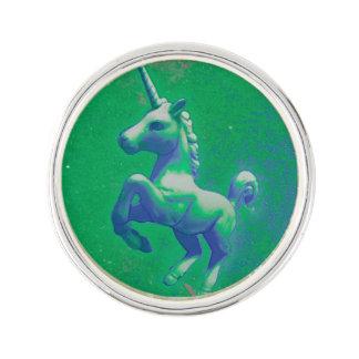ユニコーンのラペルピンの円形の銀(白熱[赤熱]光を放つなエメラルド) ラペルピン