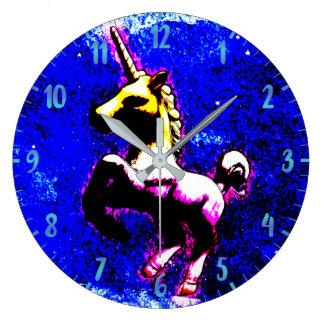 ユニコーンの柱時計|のパンクのカップケーキ ラージ壁時計