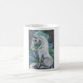 ユニコーンの森の妖精の国のマグ コーヒーマグカップ