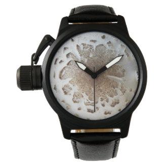 ユニークでカスタムな王冠の保護装置の黒の革腕時計 腕時計