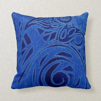 ユニークで青いつる植物の枕 クッション