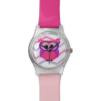 ユニークなピンクのベビーのメンフクロウの漫画 腕時計