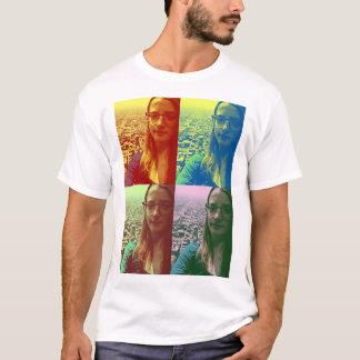 ユリは都市を愛します Tシャツ
