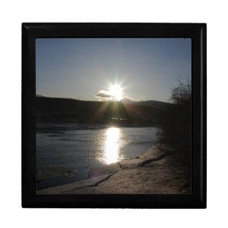 ユーコン川の写真が付いているギフト用の箱 ギフトボックス