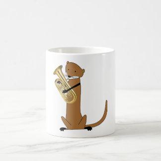 ユーフォニアムを遊んでいるカワウソ コーヒーマグカップ