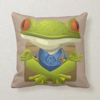 ヨガのカエルの枕 クッション