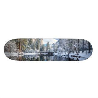 ヨセミテの冬の反射 オリジナルスケートボード