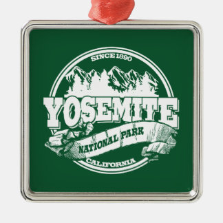 ヨセミテの古い円の緑 メタルオーナメント