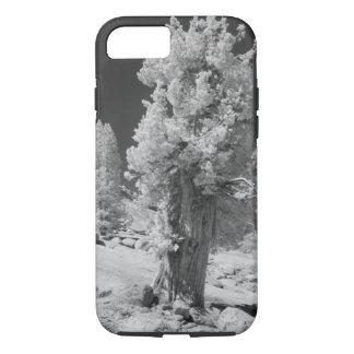 ヨセミテの国民の東側の赤外線写真 iPhone 8/7ケース