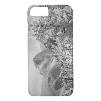 ヨセミテの国民2の東側の赤外線写真 iPhone 8/7ケース