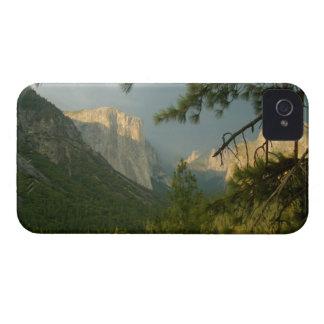 ヨセミテの谷上の雷雨 Case-Mate iPhone 4 ケース