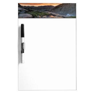 ヨセミテ上の山脈波 ホワイトボード