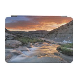 ヨセミテ上の山脈波 iPad MINIカバー