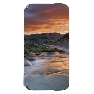ヨセミテ上の山脈波 iPhone 6/6Sウォレットケース