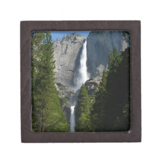 ヨセミテ国立公園からのYosemite Falls II ギフトボックス