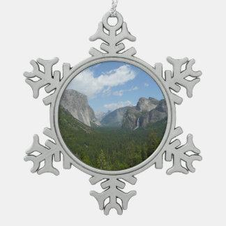 ヨセミテ国立公園のインスピレーションポイント スノーフレークピューターオーナメント