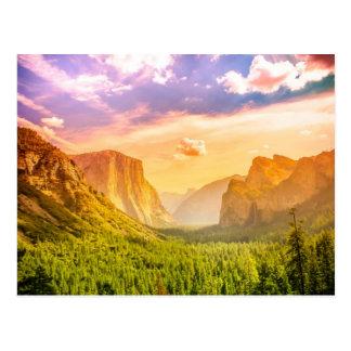 ヨセミテ国立公園のトンネルの眺め ポストカード