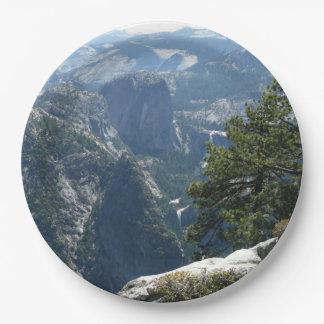 ヨセミテ国立公園のヨセミテの山景色 ペーパープレート