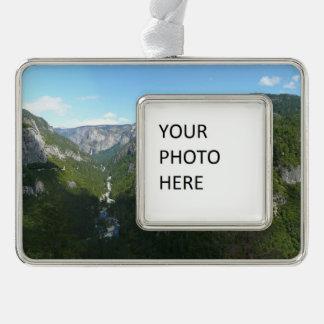 ヨセミテ国立公園のヨセミテの谷 シルバープレートフレームオーナメント