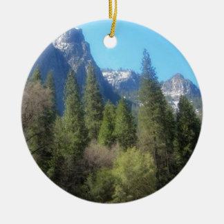 ヨセミテ国立公園の変成岩 セラミックオーナメント
