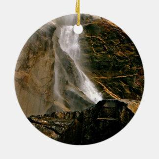 ヨセミテ国立公園のBRIDALVEILの滝 セラミックオーナメント