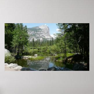 ヨセミテ国立公園のmirror湖の眺め ポスター