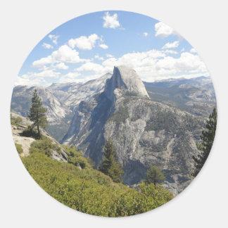 ヨセミテ国立公園カリフォルニア半分のドームの谷 ラウンドシール