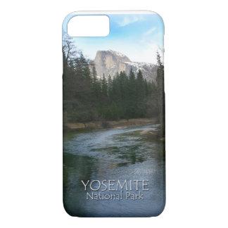 ヨセミテ国立公園、カリフォルニアの半分のドーム iPhone 8/7ケース