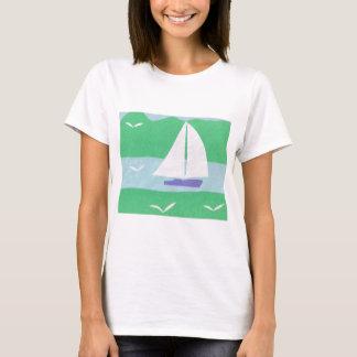 ヨットおよび山のデザインのTシャツ Tシャツ