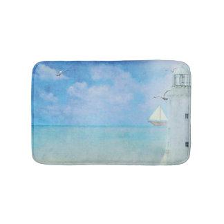 ヨットが付いている水彩画の絵画白の灯台 バスマット
