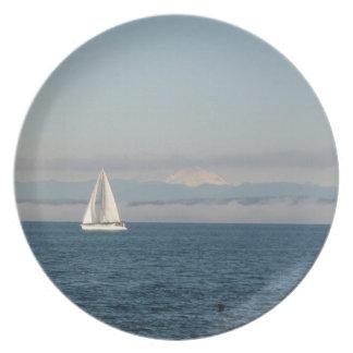 ヨットとのプレート美しい景色の水辺地帯 プレート