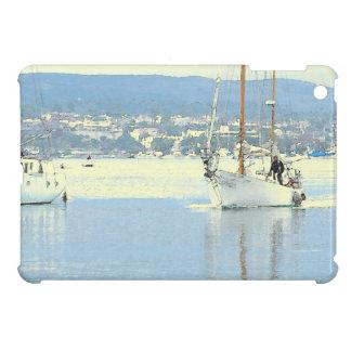 ヨットのボート港の海のマリーナを航海する海 iPad MINIケース