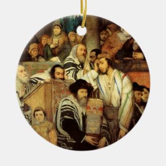 ヨム・キプルのシナゴーグで祈っているユダヤ人 セラミックオーナメント