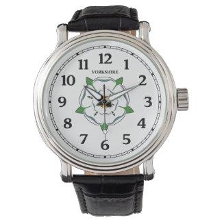 ヨークシャのばら色の腕時計 腕時計