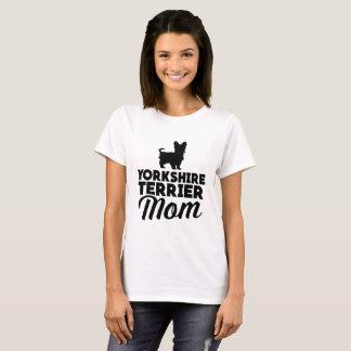 ヨークシャテリアのお母さん Tシャツ