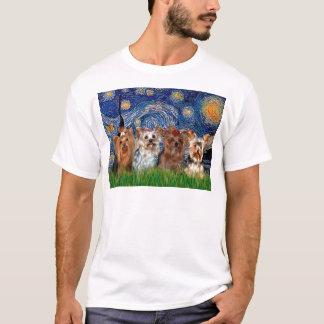 ヨークシャテリアのクォード-星明かりの夜 Tシャツ