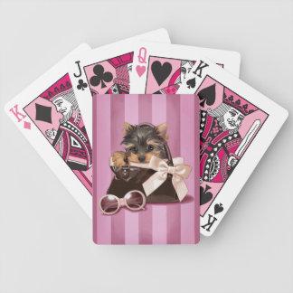 ヨークシャテリアの子犬 バイスクルトランプ