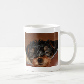 ヨークシャーテリアのまばたき コーヒーマグカップ