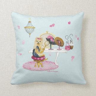 ヨークシャーテリアのヨークシャの私室の枕 クッション