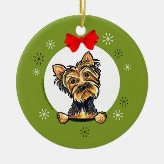 ヨークシャーテリアの子犬の切口のクリスマスのクラシック セラミックオーナメント