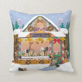 ヨークシャーテリアの御馳走店のクリスマスの休日の枕 クッション