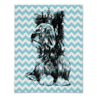 ヨークシャーテリアは王冠の小犬青く白いシェブロンを宝石で飾ります ポスター