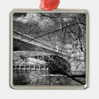 ヨーク都市川の景色 メタルオーナメント